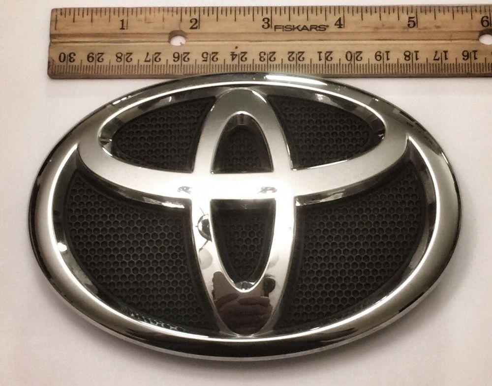 Oem 2009 2010 2011 2012 2013 Toyota Corolla Front Grille Emblem 75312 02060 Ebay Toyota Corolla Toyota Logo Toyota