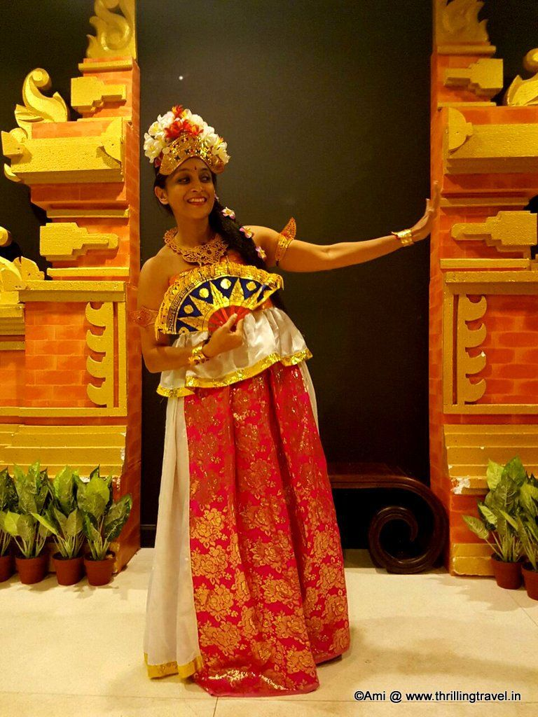 Me blending into the balinese culture picture courtesy rutavi