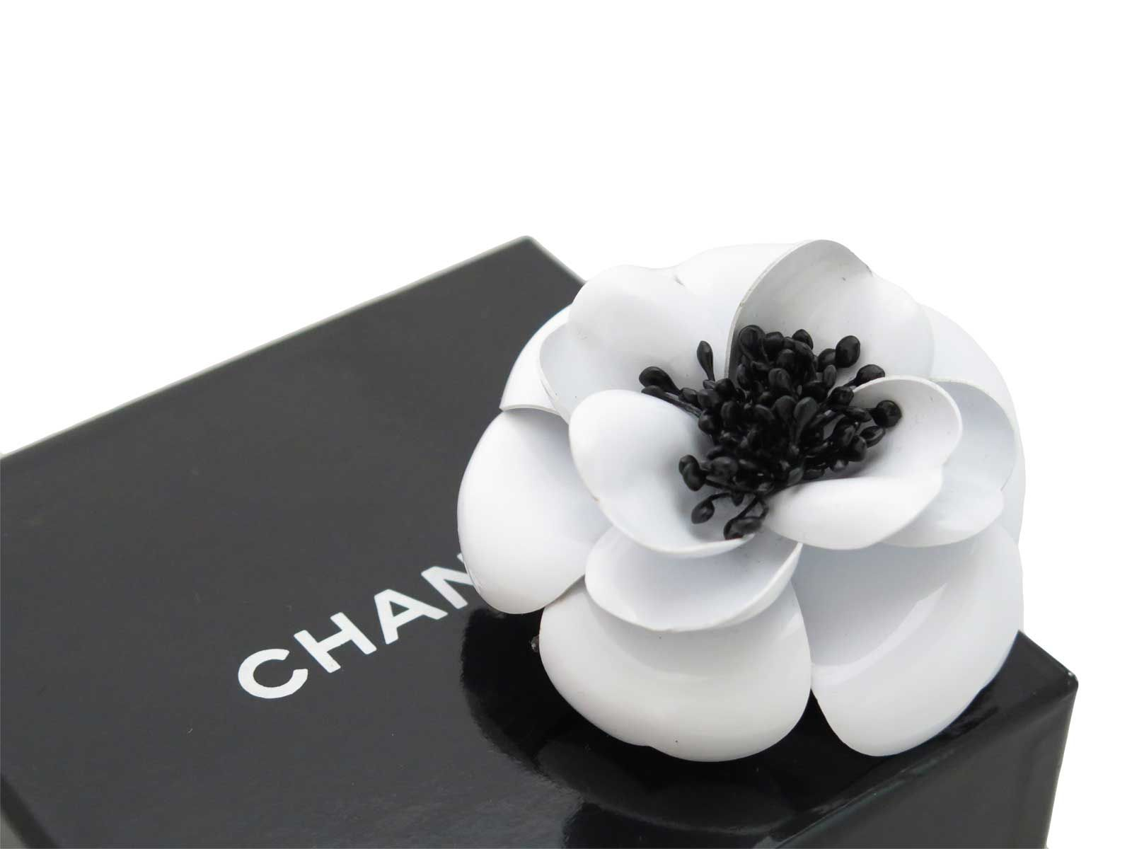ea7c13c79122 Auth CHANEL Camellia Flower Pin Brooch White Black Plastic - e10376 in  Jewelry   Watches, Fashion Jewelry, Pins   Brooches   eBay