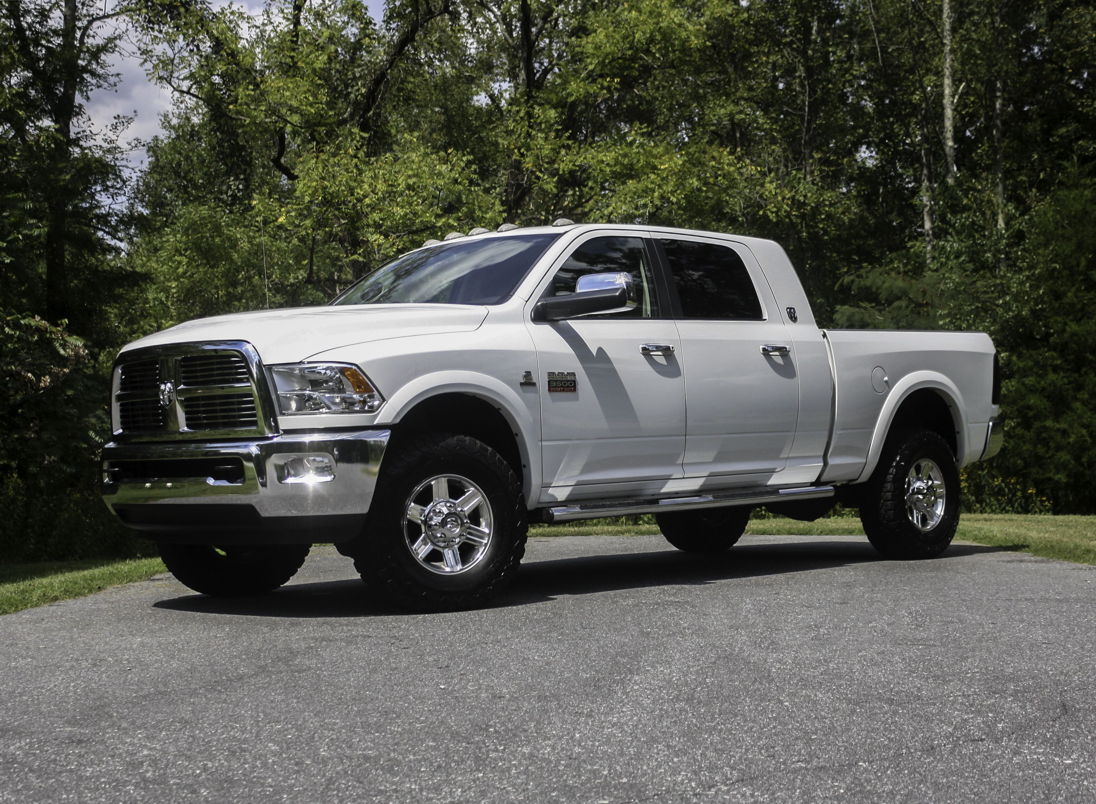 This 2011Ram3500 Laramie would be an excellent addition