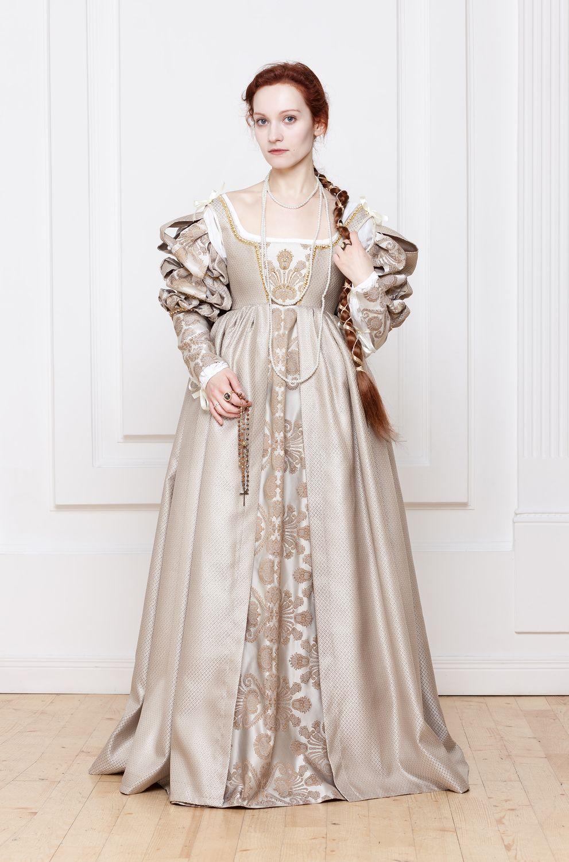 Elegant Renaissance Italian Woman Dress 15th 16th Century By RoyalTailor Lucrezia Borgia Renaissance ...