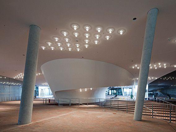 Mit Dem Konzerthaus Elbphilharmonie Bekommt Hamburg Ein Neues Wahrzeichen Hamburg Konzerthaus Architektur