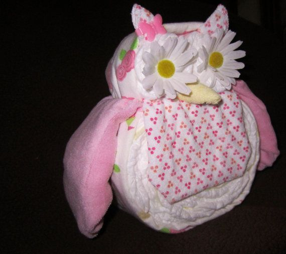 Baby shower owl love that the receiving blanket diapers for Baby diaper cake decoration