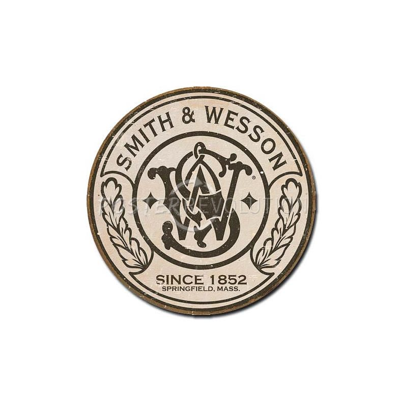 Logo: Round. Vintage. Worn look. Main symbol in middle, outter ring ...