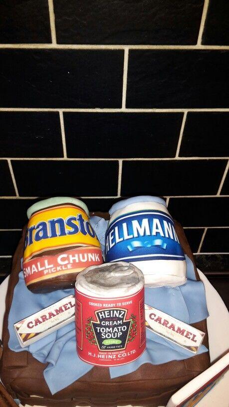 Food hamper cake