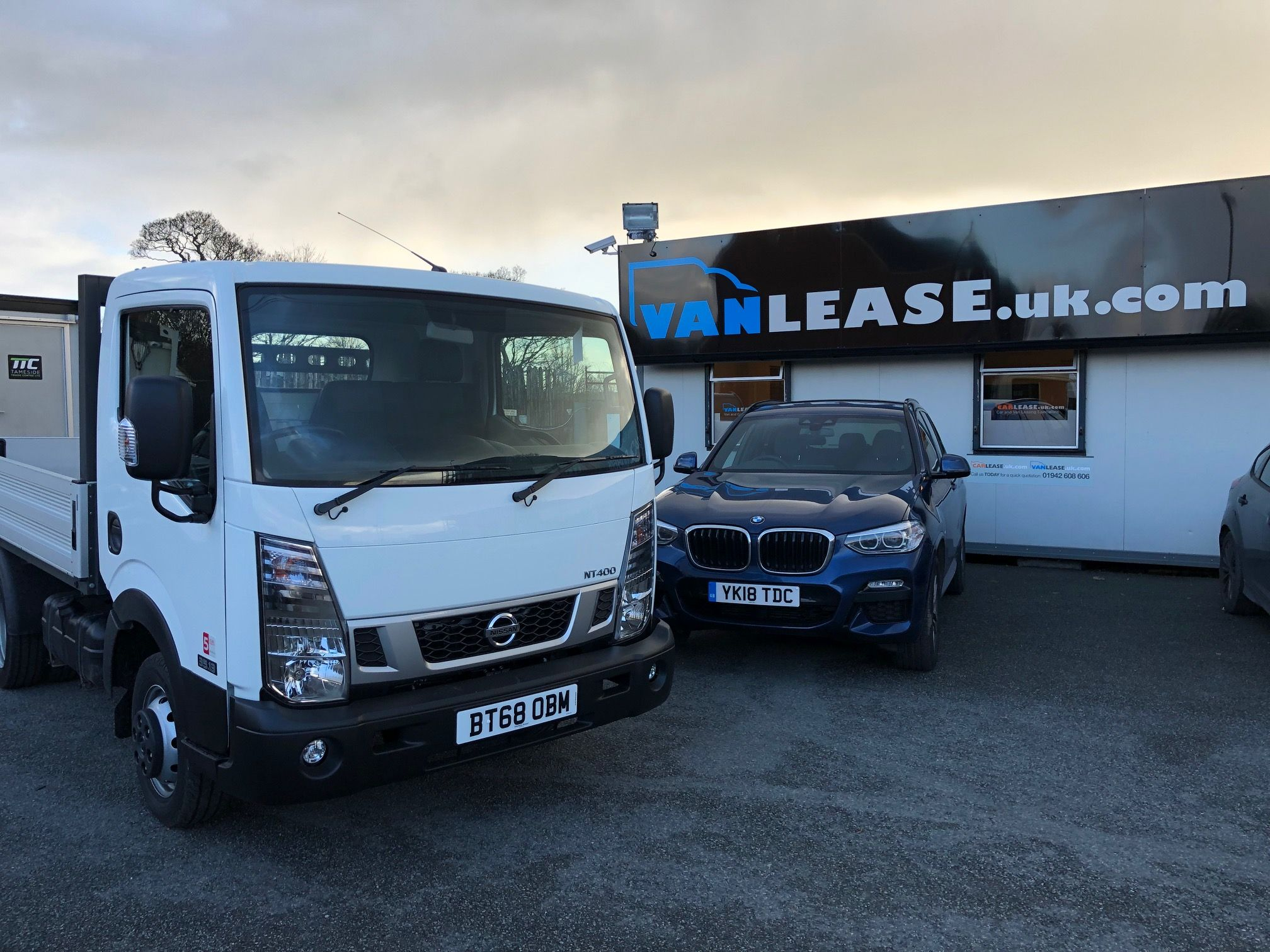 hight resolution of the nissan nt400 cabstar swb diesel 34 13 dci dropside van leasing deal