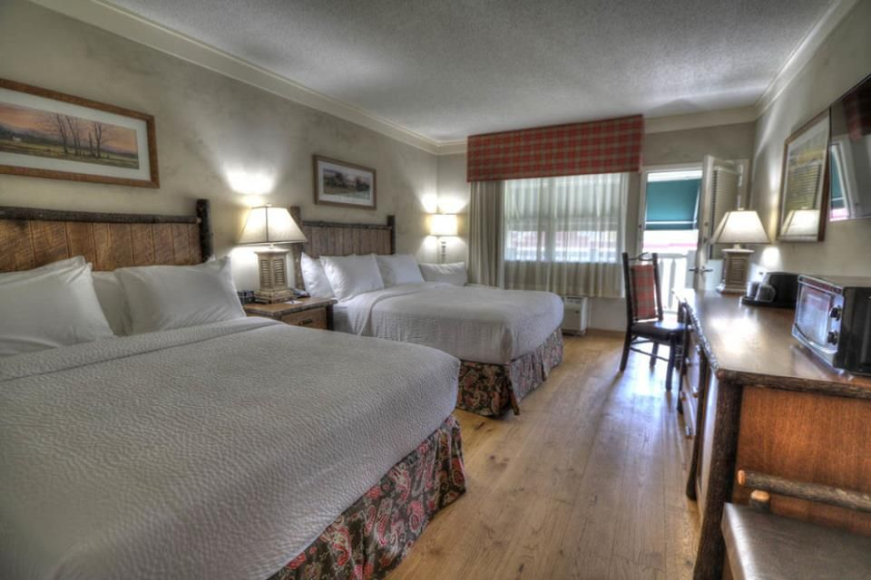 Our 2 Queen Rooms Are Perfect For A Family Vacation To The Smoky