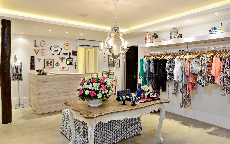 Thais braga arquitetura e interiores deco tiendas for Diseno de interiores almacenes de ropa