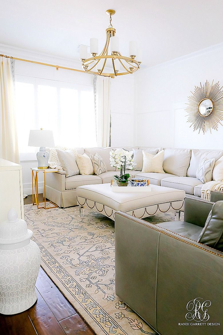Simple Spring Decor Ideas For Your Family Room In 2020 Elegant