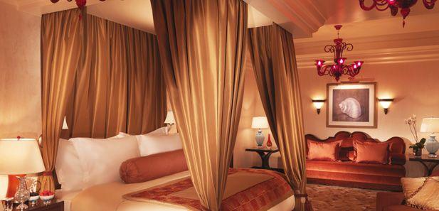 Bedroom presidential suite Atlantis