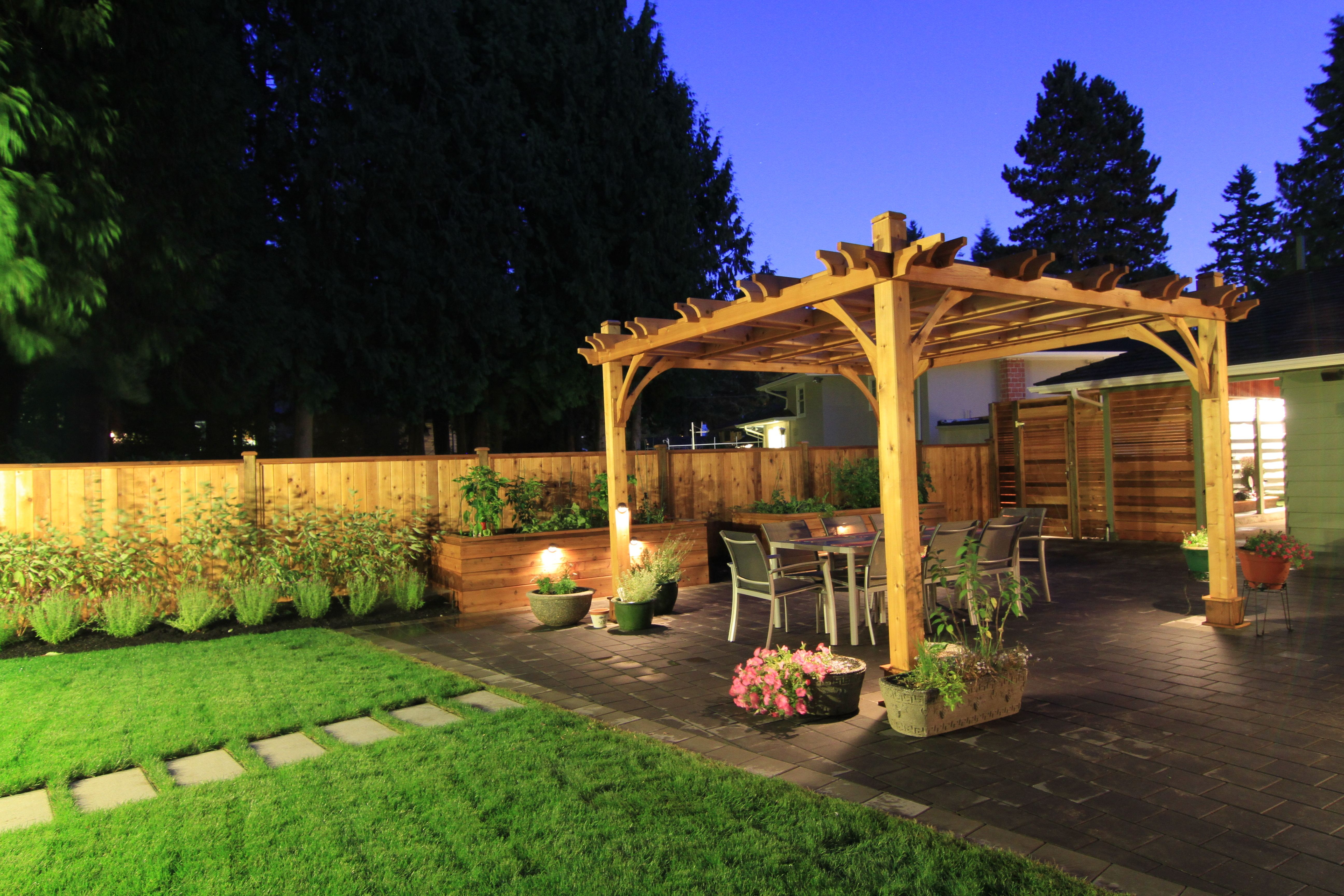 beautiful western red cedar pergola and fence via The