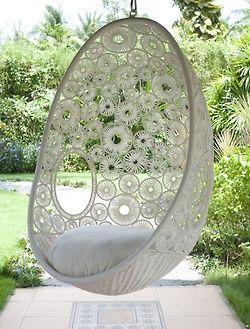 Cocon des mari s on aime exterieur pinterest fauteuil suspendu suspendu et fauteuil - Siege suspendu salon ...