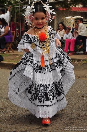 Get This Dress And Accessories At Its Fashion Metro In: Panamanian Women Learn To Carry Their Folkloric Dress