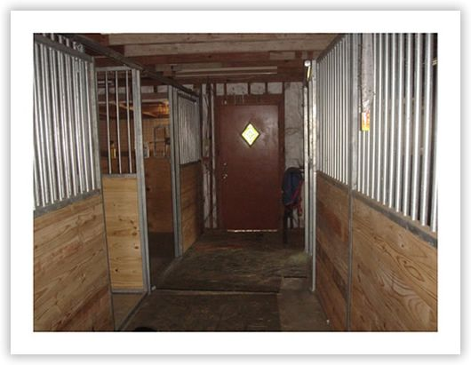 Horse barns: barn construction
