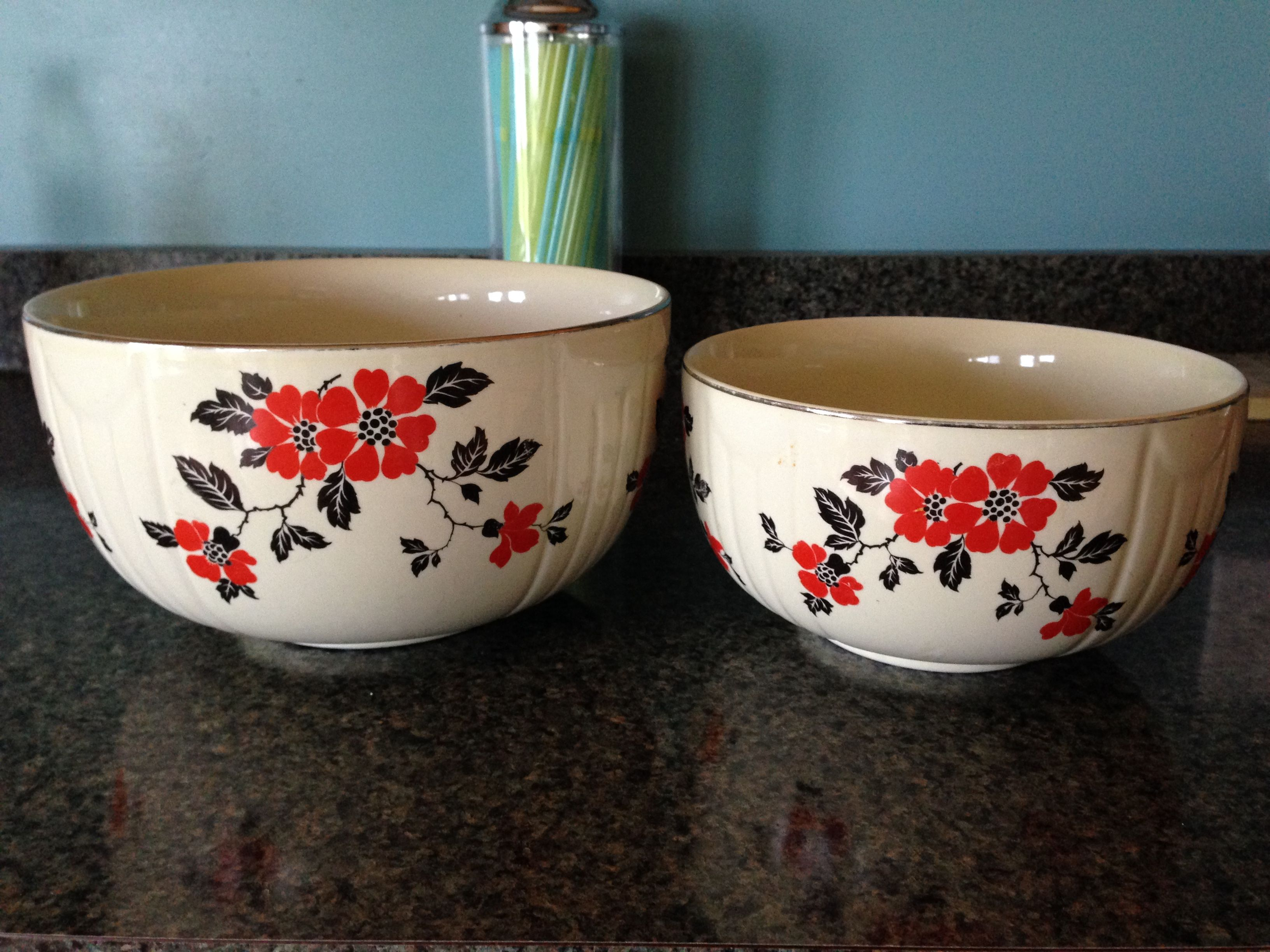 Hall S Superior Quality Kitchenware Vintage Nesting Bowls Red Poppy Red Poppies Currier And Ives Nesting Bowls