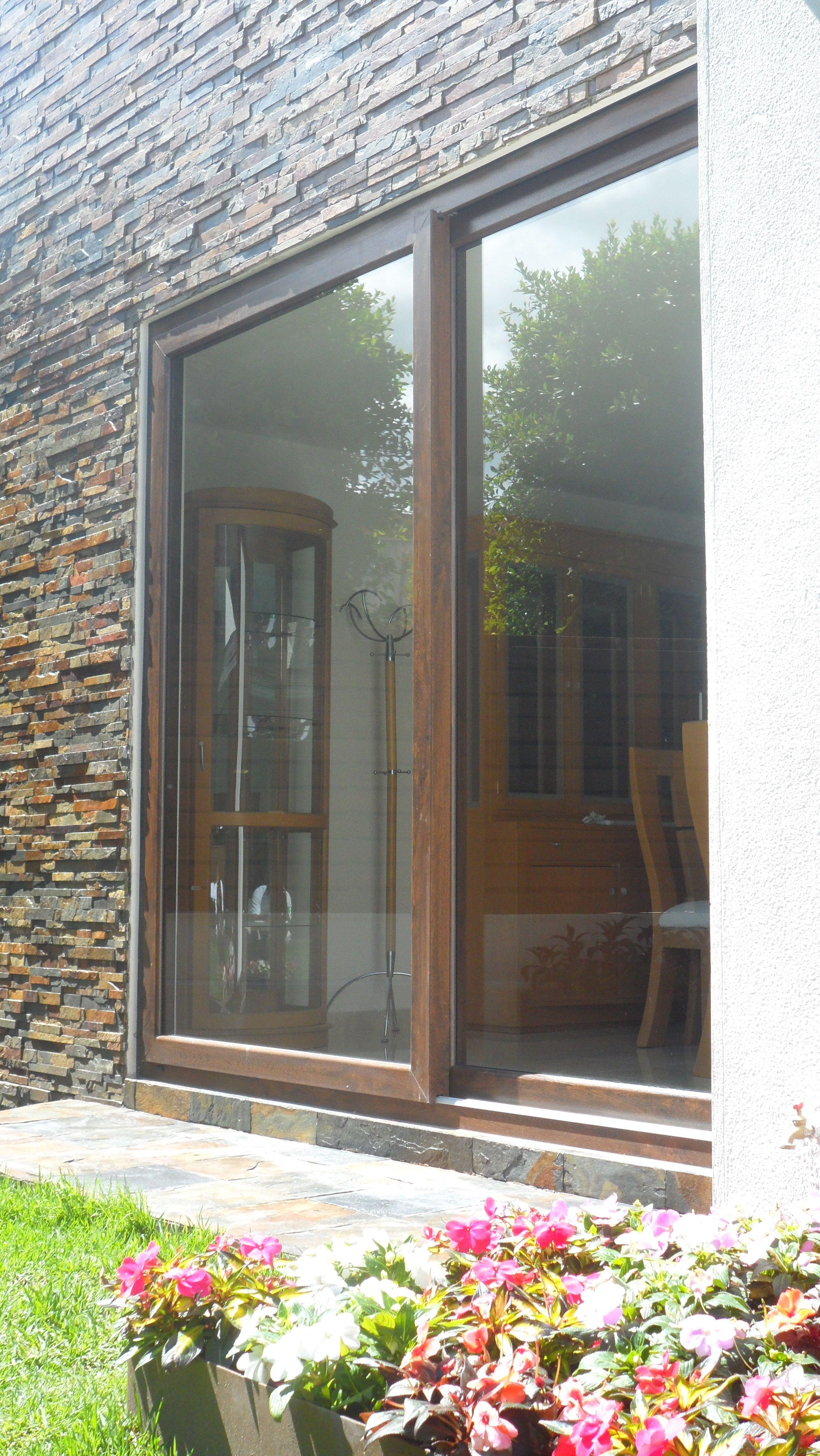 Im genes ventanas pvc madera m xico aberturas for Aberturas pvc simil madera precios