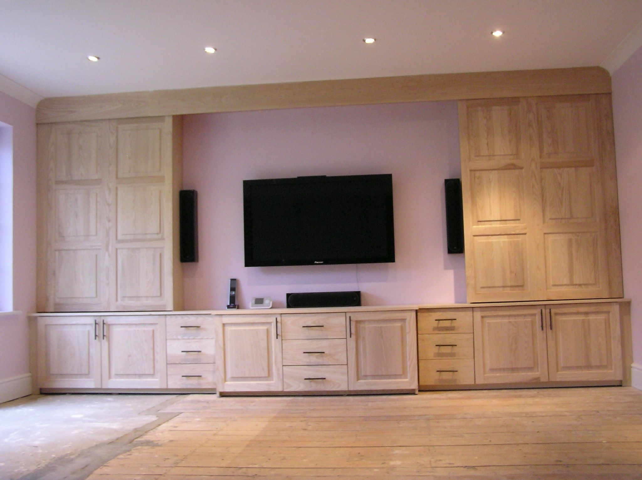 American Ash Fitted Tv Cabinet Sliding Doors With Raised And