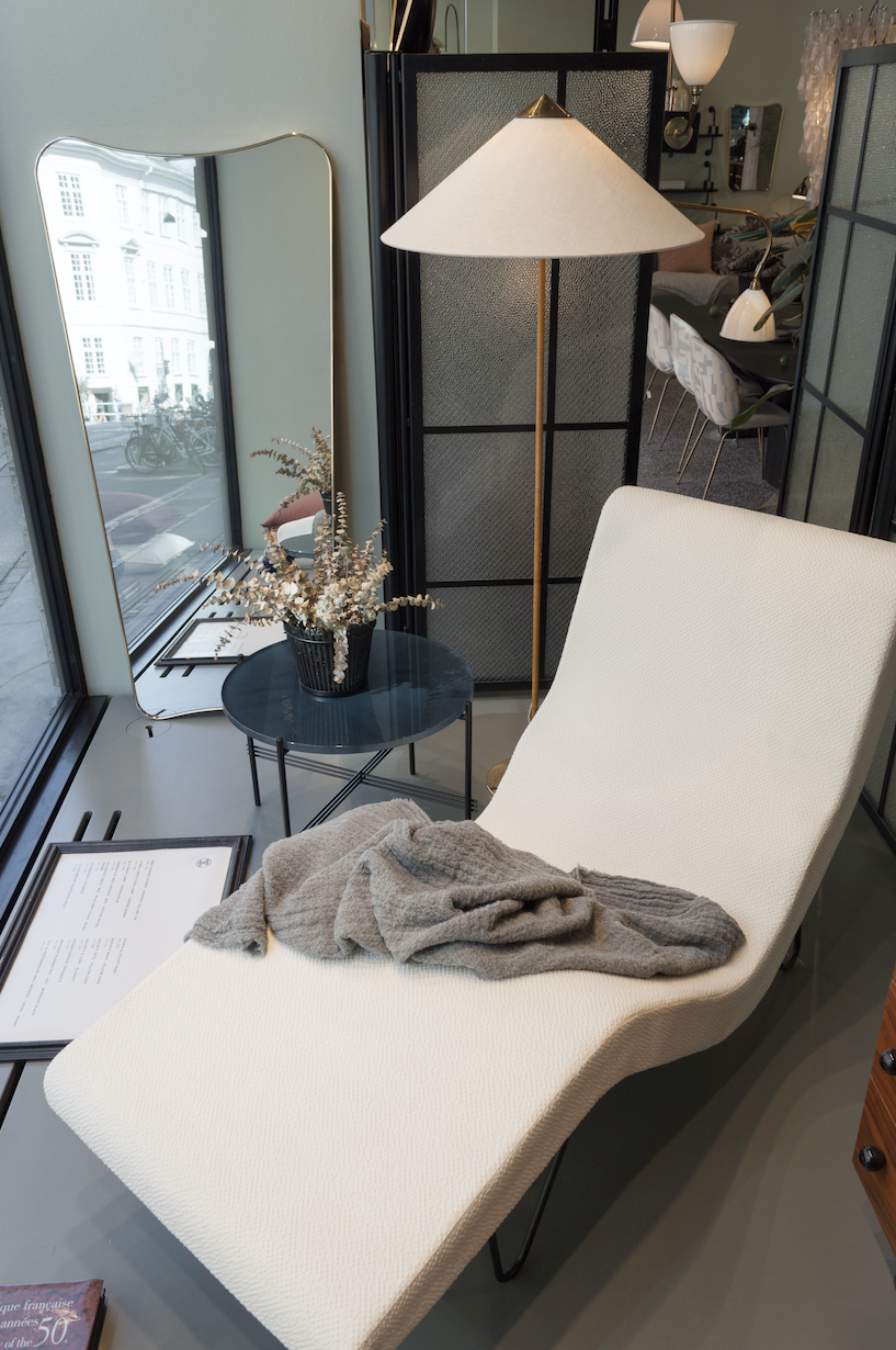 Gubi Gmg Chaise Longue By Greta M Grossman 9602 Floor Lamp By Paavo Tynell F A 33 Mirror By Gio Ponti And Ts Table By Gamf Furniture Gubi Interior Design