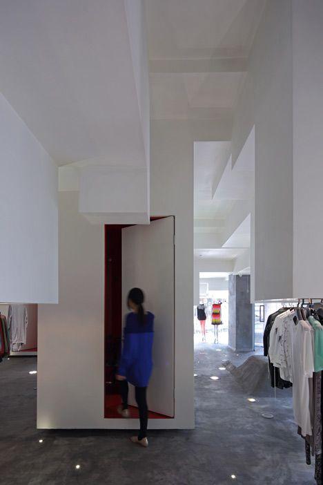 Best D2C Concept Store By 3Gatti Architecture Studio 640 x 480