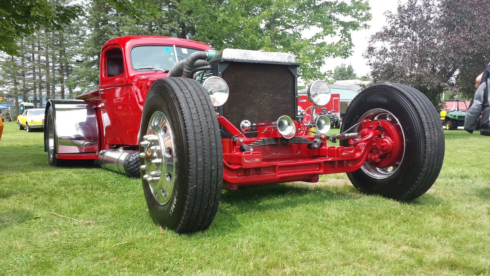 Jay Oullette\'s Mean Diesel \'46 Ford Pickup | Hotrod Hotline | COCHES ...