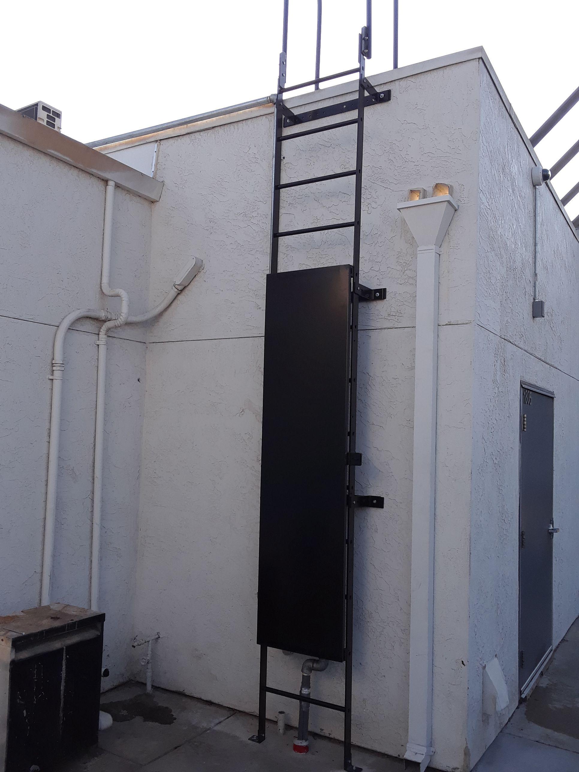 Roof Access Ladder Restriction Panel Escaleras Metalicas Escaleras Techo