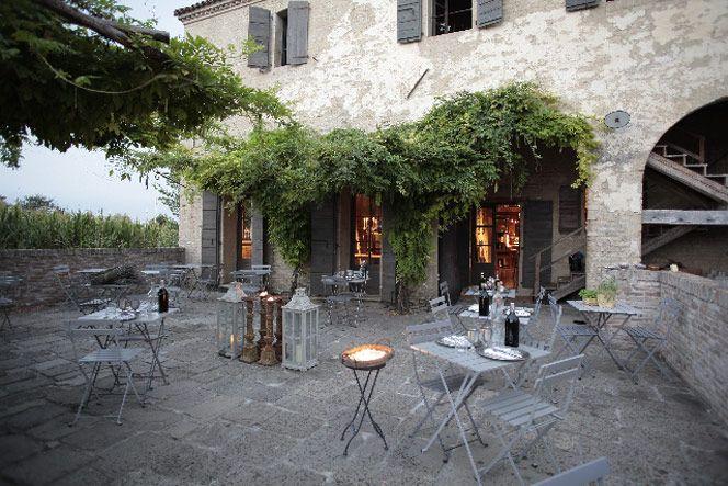 LOCANDA ROSA ROSAE, BELLEZZA E TEMPO San Bartolomeo di Breda di Piave (Tv) Via Molino, 2 +39 0422 686626 - +39 3358136706 info@locandarosarosae.it http://www.locandarosarosae.it