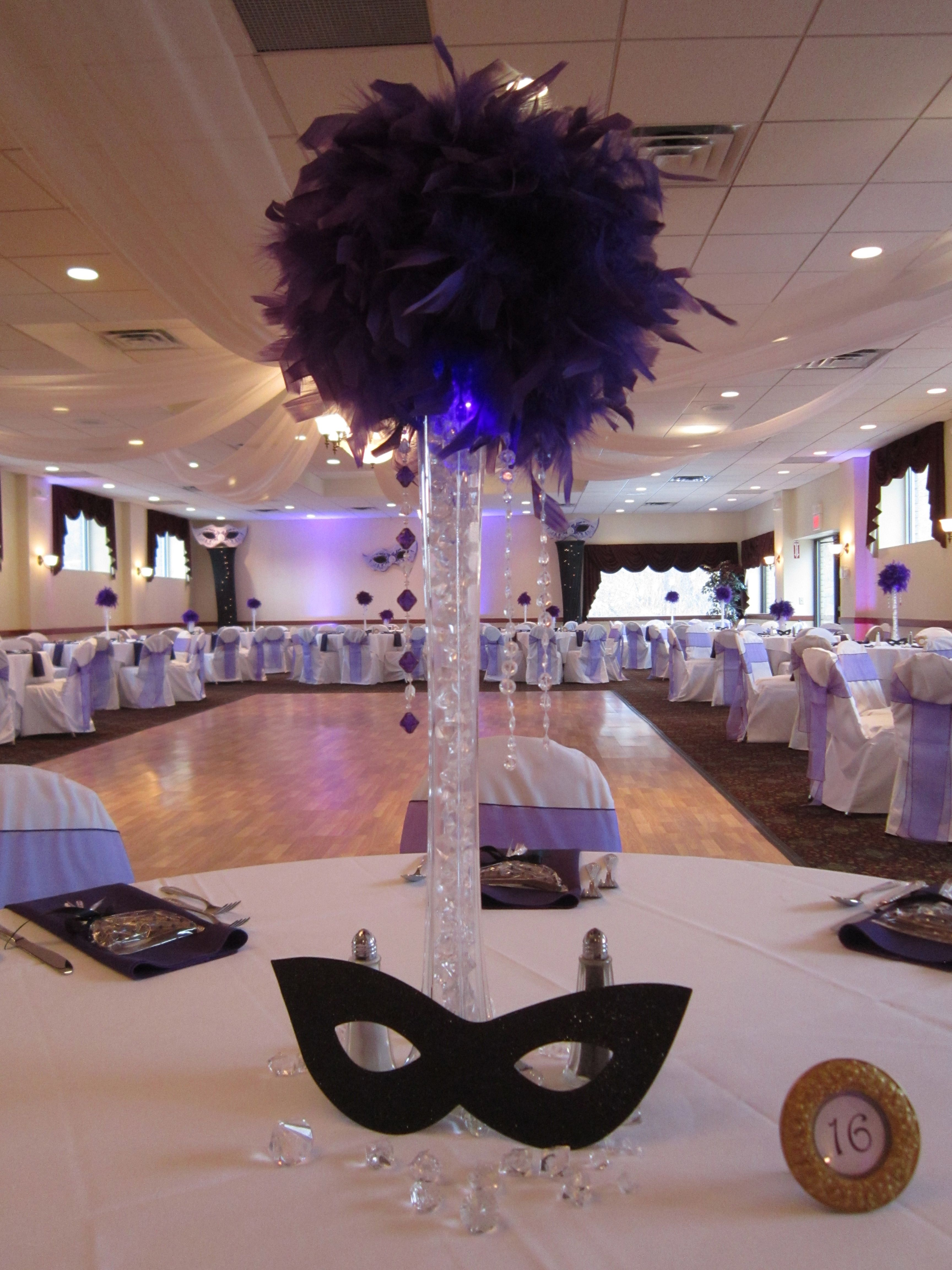 Feather Centerpieces With Lighting