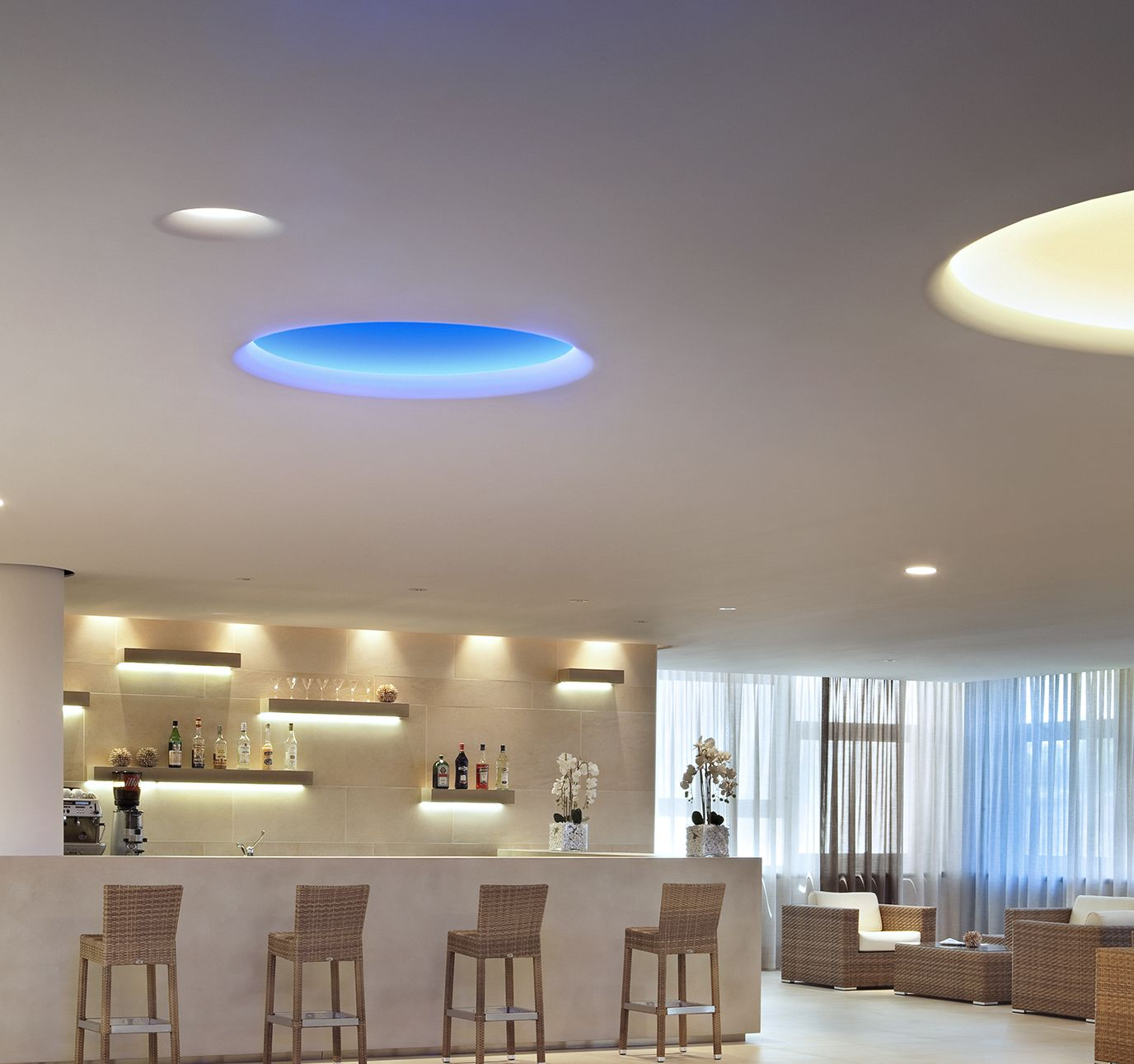 Flos soft architecture architectural lighting products flos integrate modern cove lighting fixtures by flos architectural into your project seamlessly explore the variety of lighting solutions in the uso family arubaitofo Images