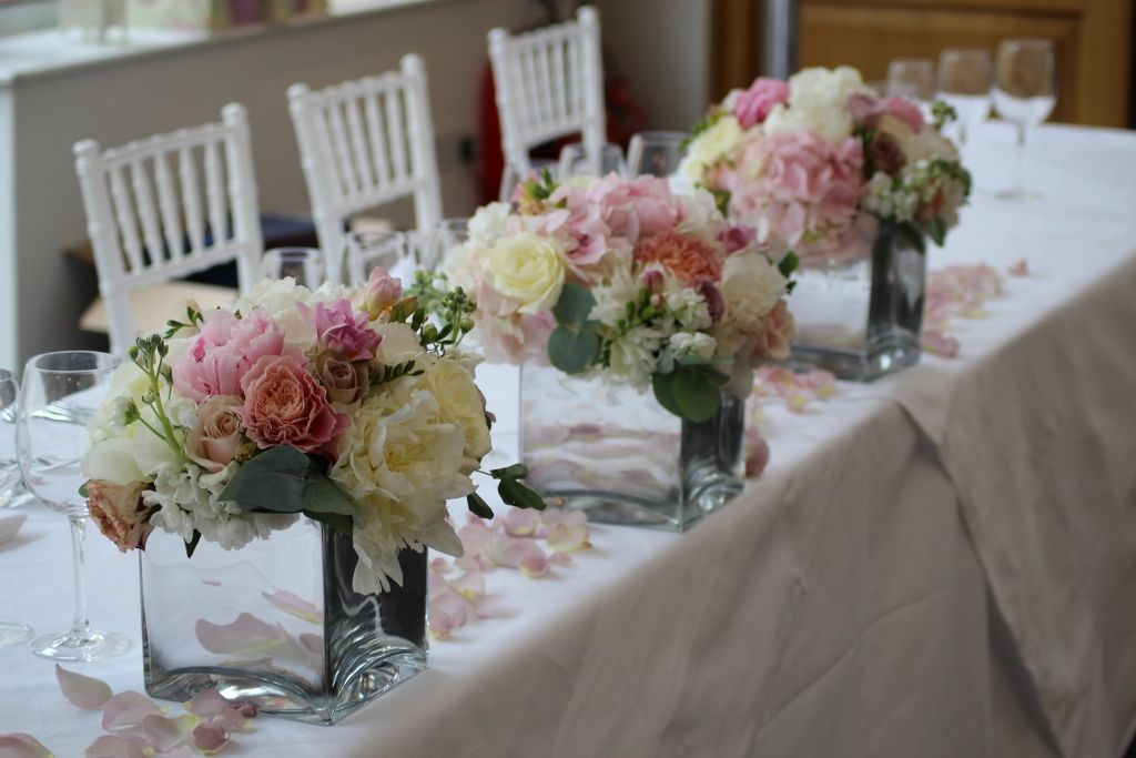 flowers for wedding tables cheap ivory and vintage pink wedding flowers at botley mansion 4283