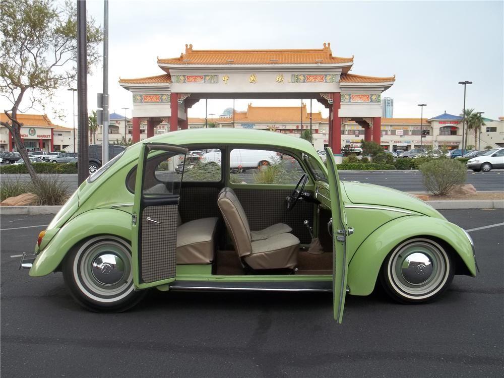 voiture coccinelle 4 portes