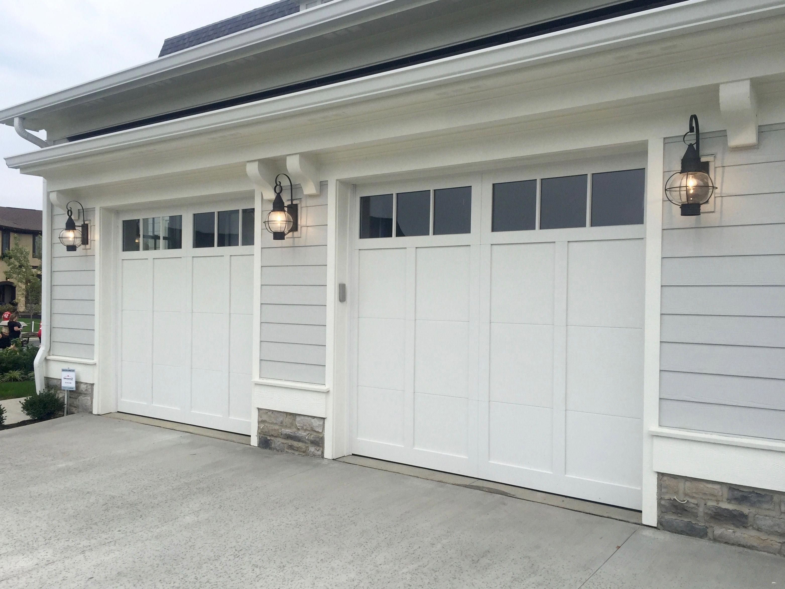 2 Car Garage Door Single Door Not Two Single Panels Like Other Pic Garageupdates Garage Doors Single Garage Door Garage Door Types