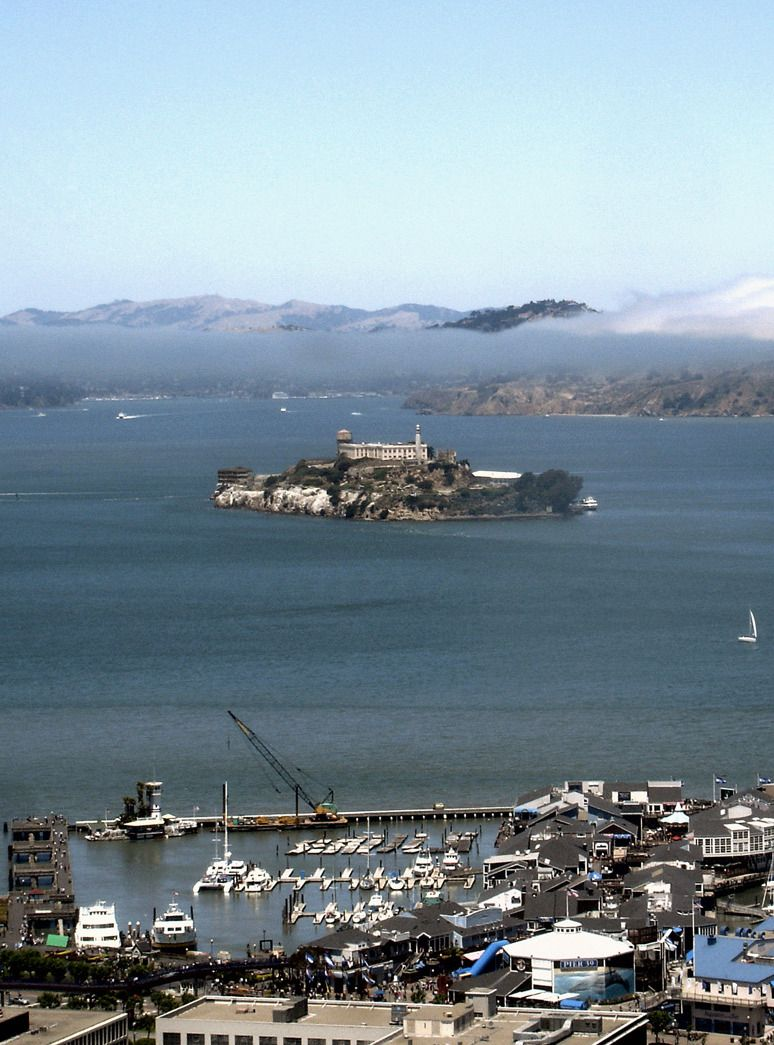 Alkatraz. View from Coit Tower. San Francisco, California. Photo by Andy New.