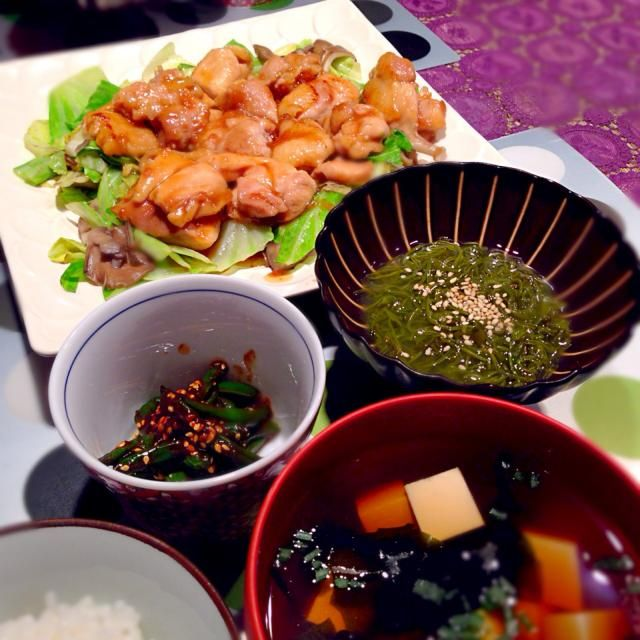 鶏肉とキャベツのハニージンジャー炒め☆ いんげん酢味噌和え☆ めかぶ☆ 豆腐とわかめのお吸い物 - 94件のもぐもぐ - 鶏肉とキャベツハニージンジャー炒めも献立 by RIESMO