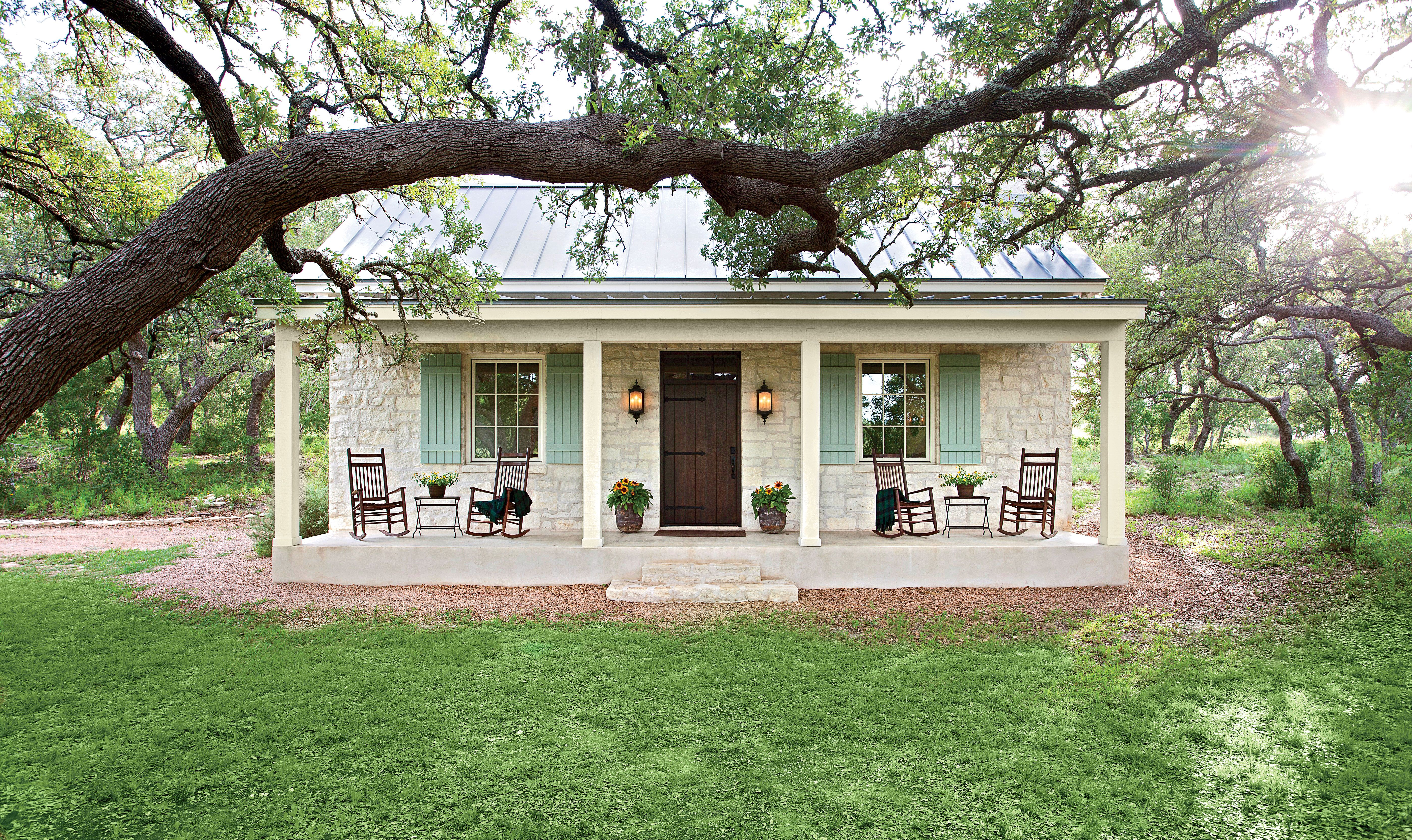 Charming Texas Farmhouse Curb Appeal Cottage homes