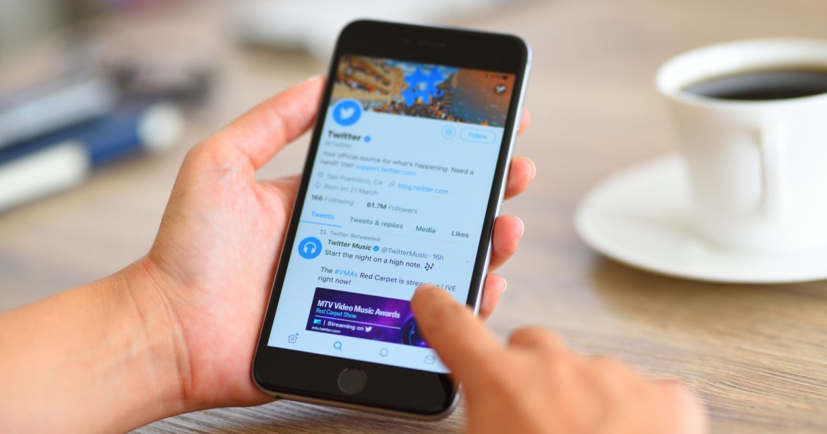 twitter u0026 39 s timeline will highlight news links your friends