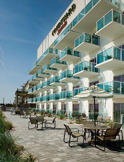 Ocean City Maryland Hotel Courtyard Ocean City Oceanfront Hotel Ocean City Hotels Love This Place I Ocean City Md Hotels Maryland Hotels Ocean City
