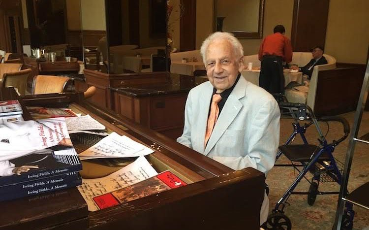 Spritely 100-Year-old Pianist Still Wows NYC Diners Without Missing a Beat http://www.goodnewsnetwork.org/spritely-100-year-old-pianist-still-wows-nyc-diners-without-missing-a-beat/ … @MrJasonRBrown