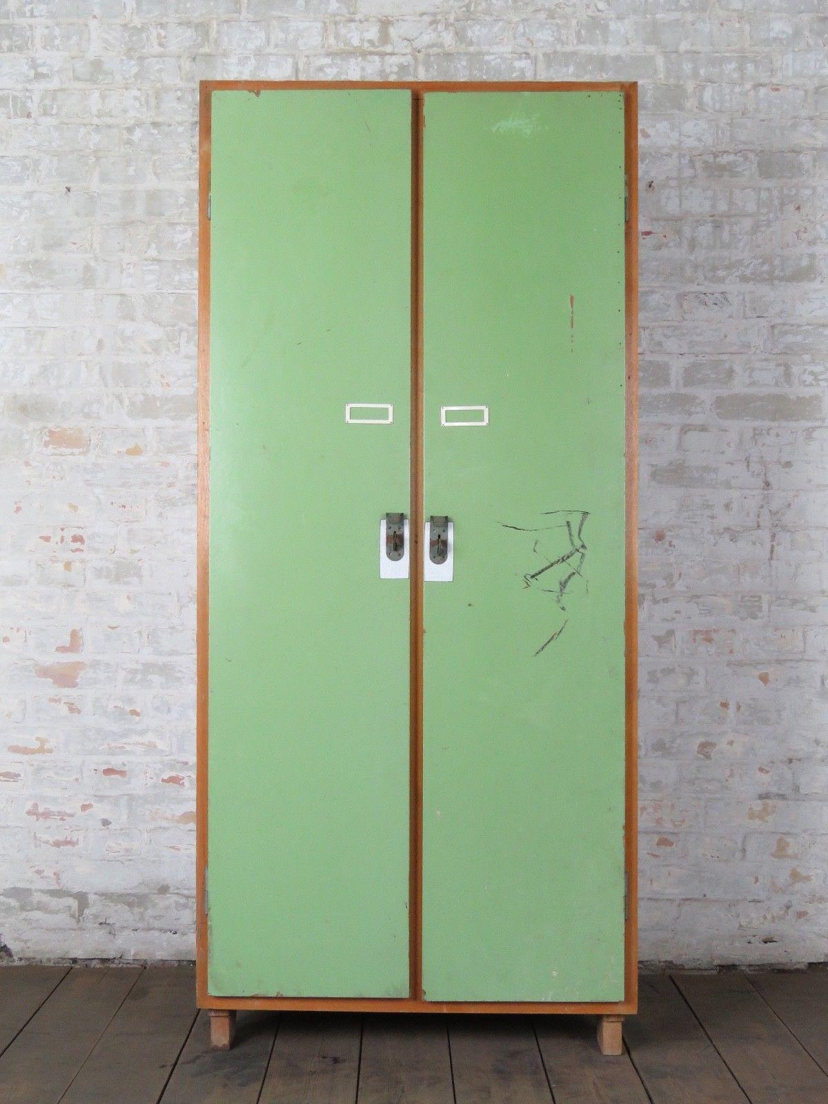 Schrank Vintage 50er 60er jahre schrank holzschrank spind industrie vintage loft