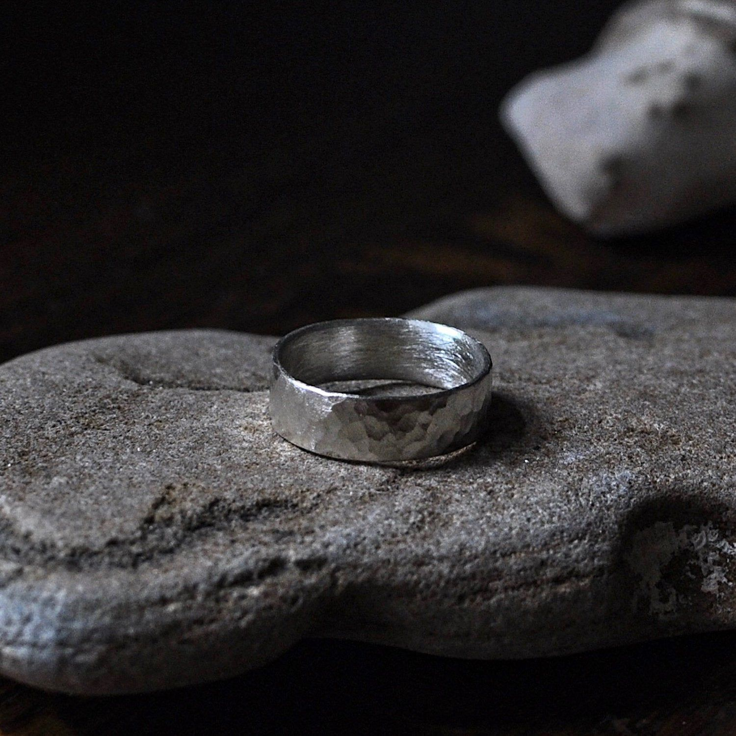 9ct White Gold Band / Simple Wedding Ring / Hammered Ring