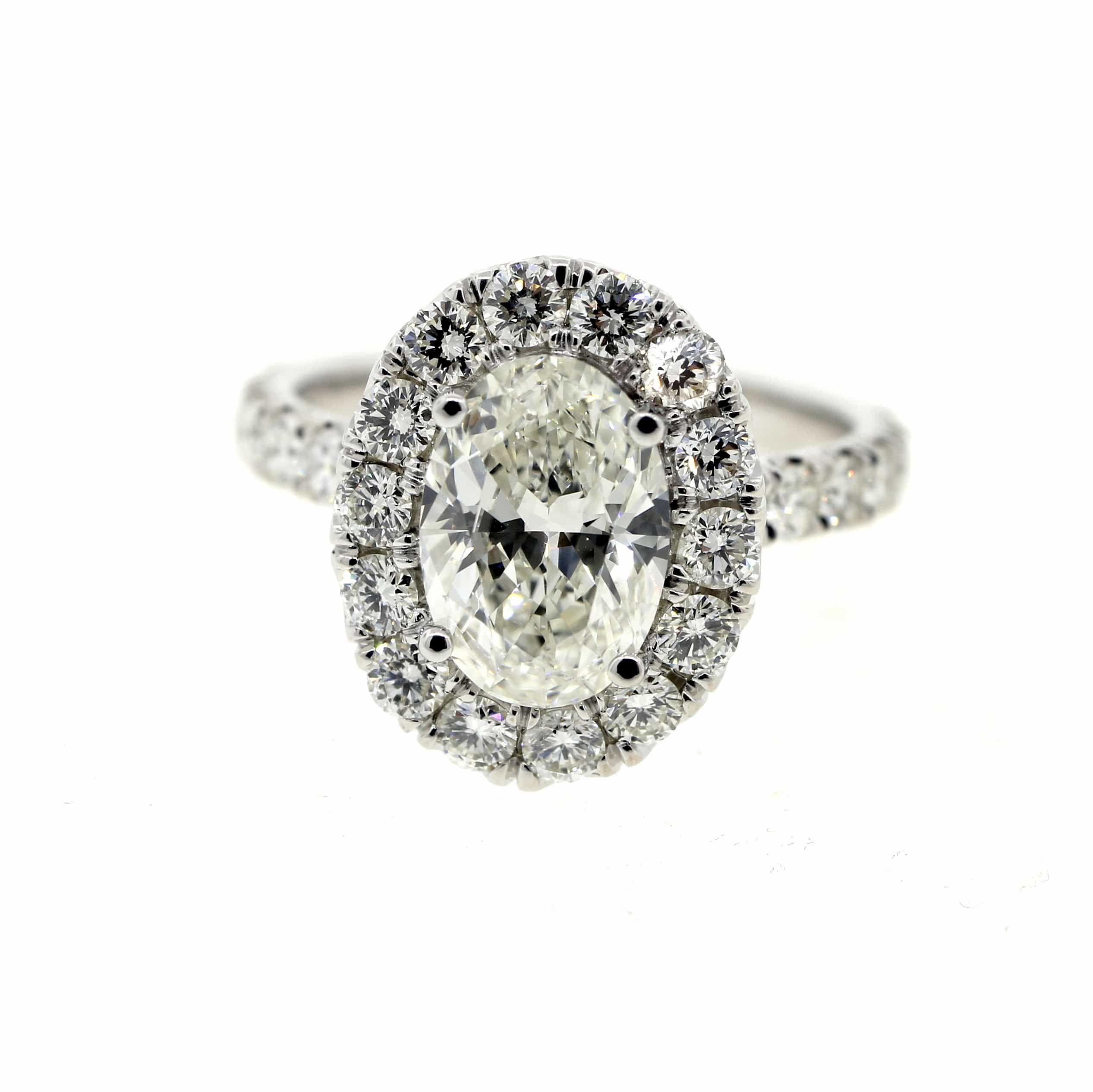 A mesmerizing platinum diamond engagement ring this beautiful ring