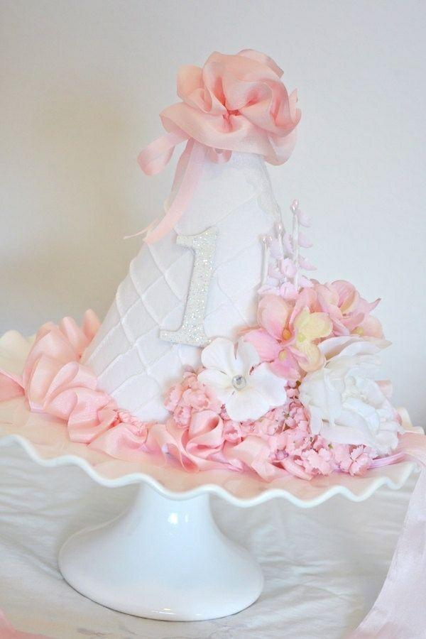 Dekortorte Fur Baby Geburtstag Madchen In Rosa Und Weiss Cakes
