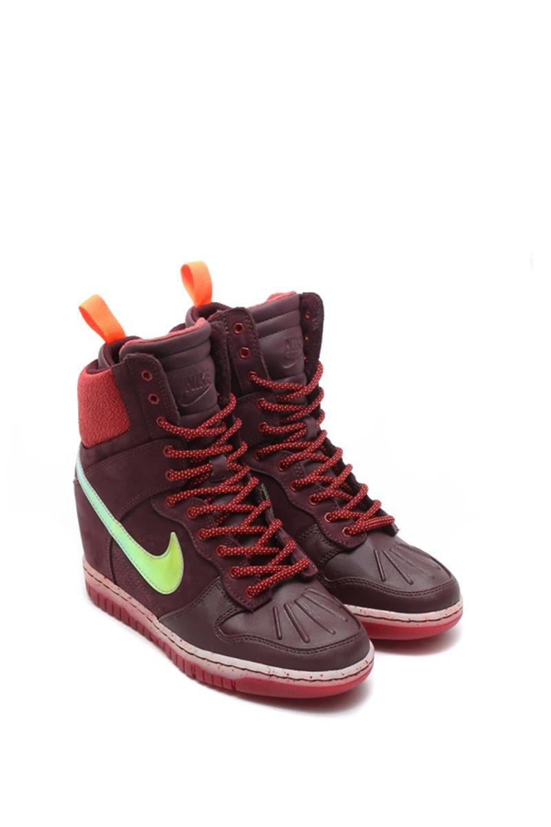 low priced d0c5f e5f41 NIKE Dunk Sky Hi Sneakerboot - Womens - Limited edition - New sneaker  boots collection - Waterproof material - Hidden wedge heel