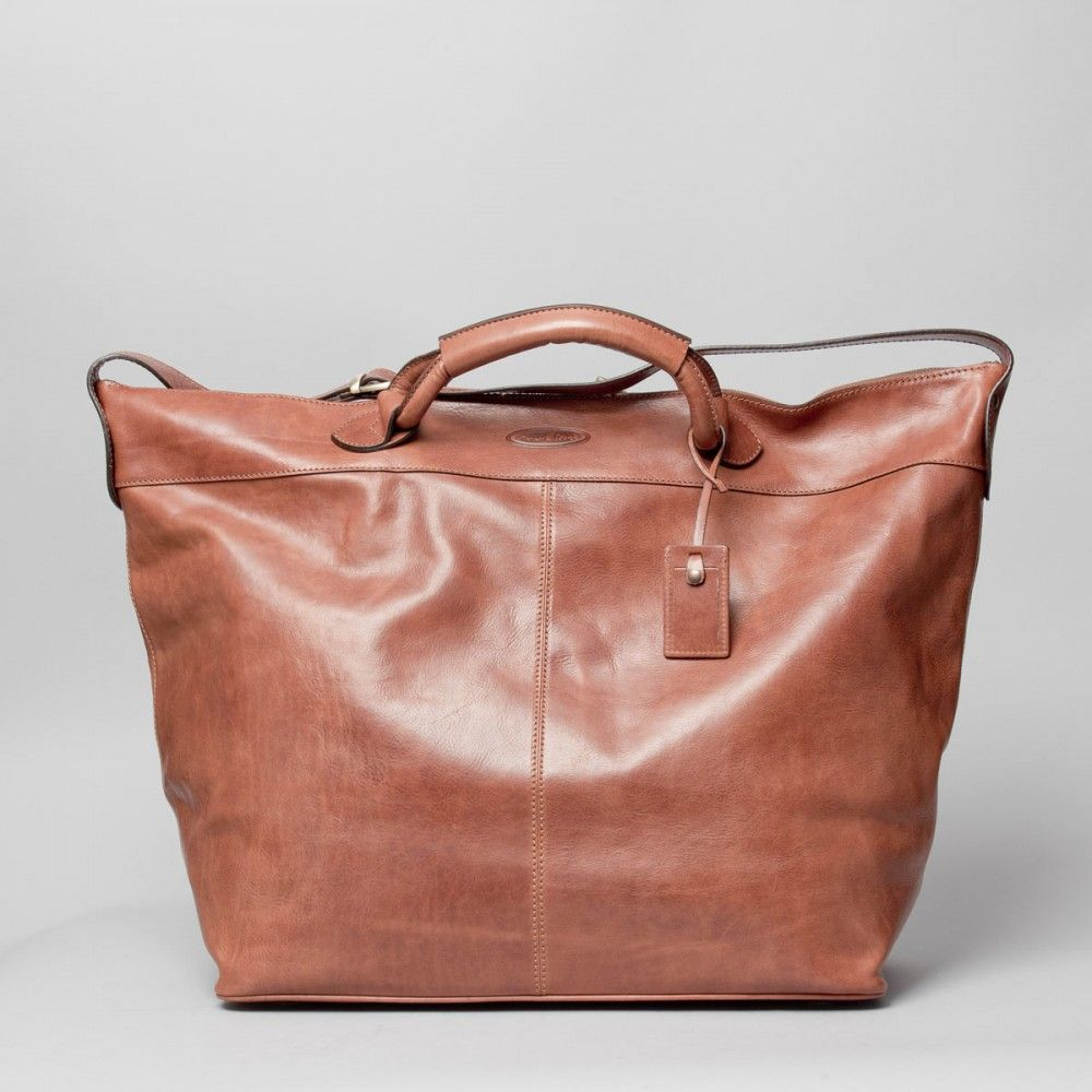 e05bd2c1593b6 The Fabrizio leather travel luggage bag by Maxwell Scott Bags.