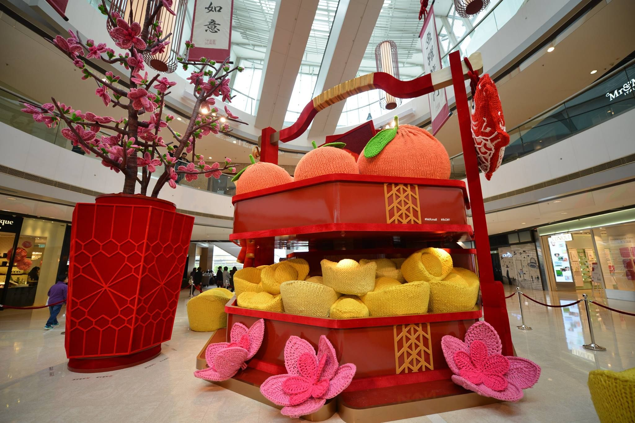 HK ifc mall 2017_2 | Lunar New Year decoration | Pinterest | Mall