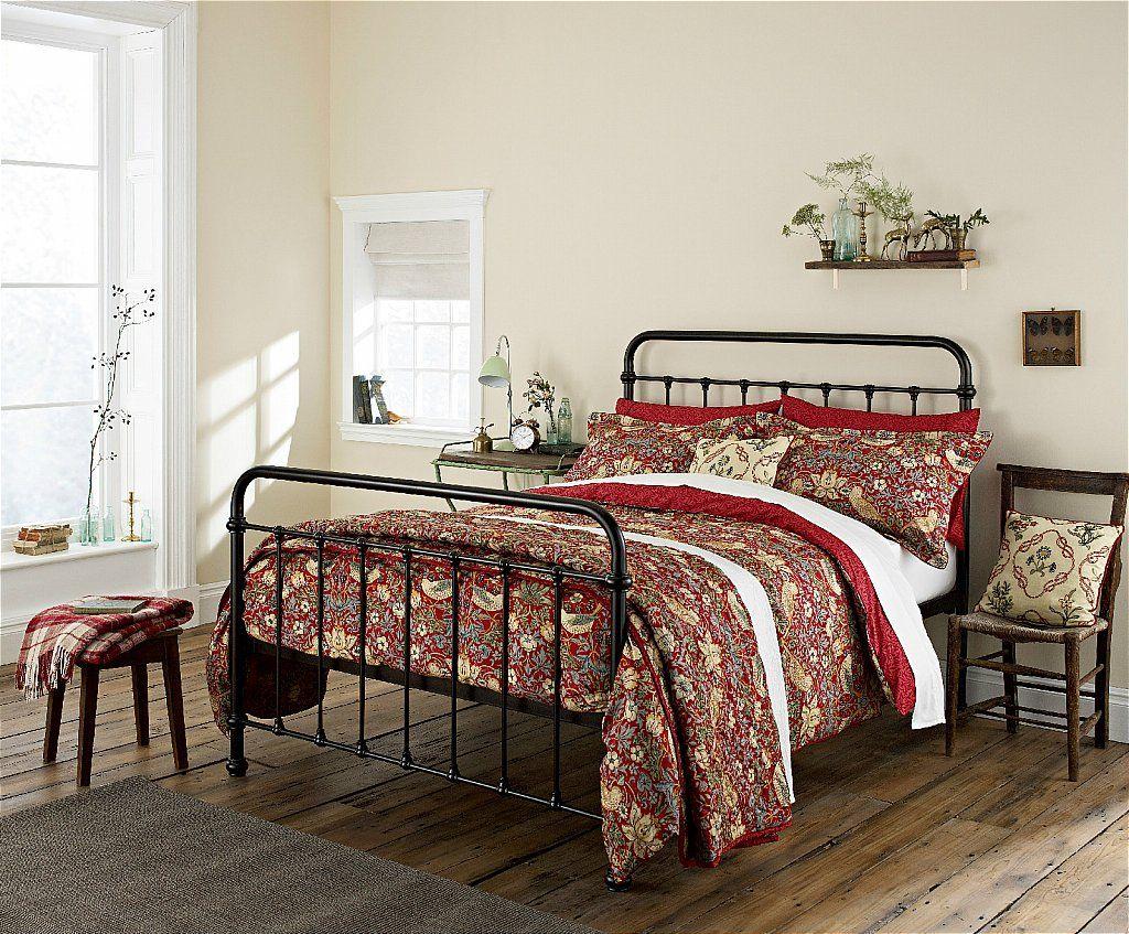 Morris&CoStrawberry ThiefCrimson Rainbow bedroom