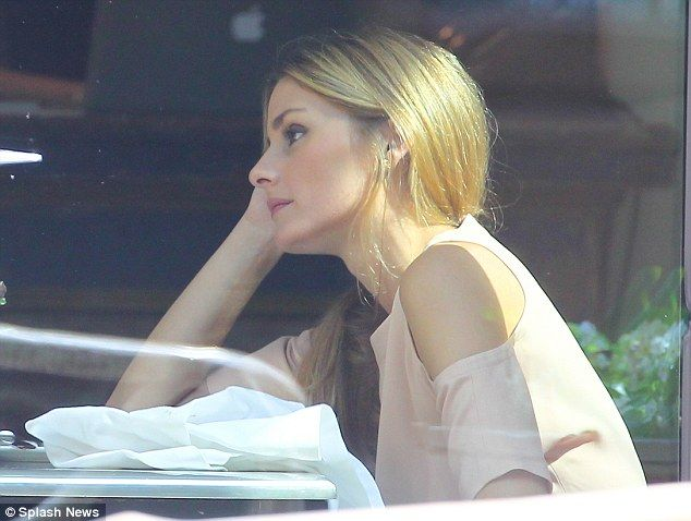 Olivia Palermo remains wedding ringfree as she heads to lunch in