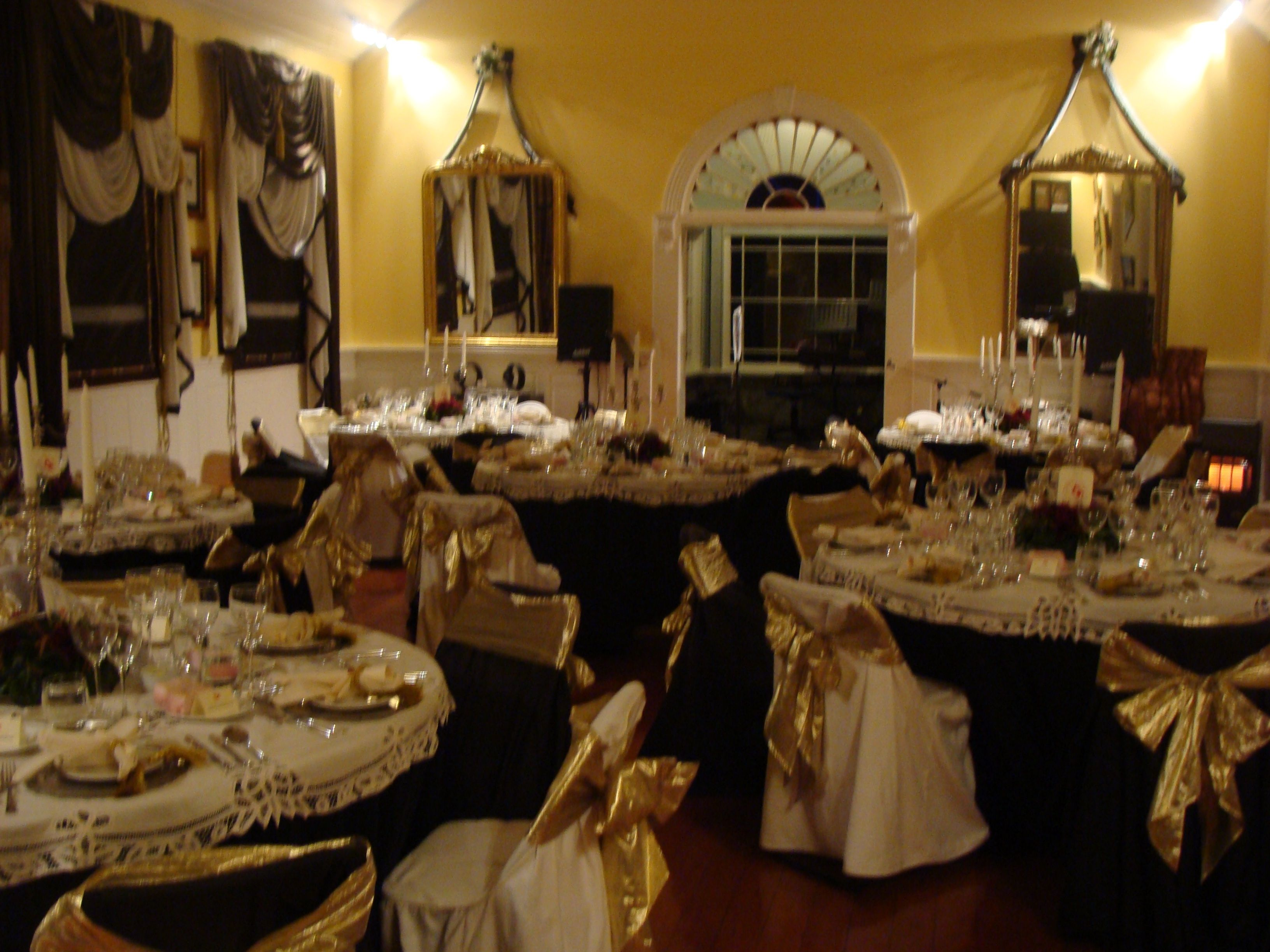 titanic ballroom settings: very ambitious for large numbers