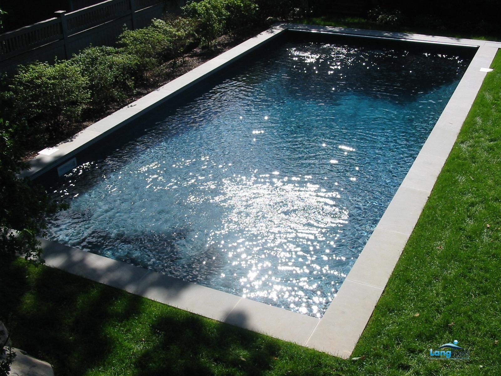 Custom vinyl liner pool by lang pools 004 outdoor for Vinyl swimming pool