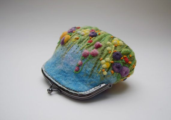 Felted Cosmetic Makeup Purse  Kiss Lock Pouch  Small Clutch Wool Felt Small Bag…