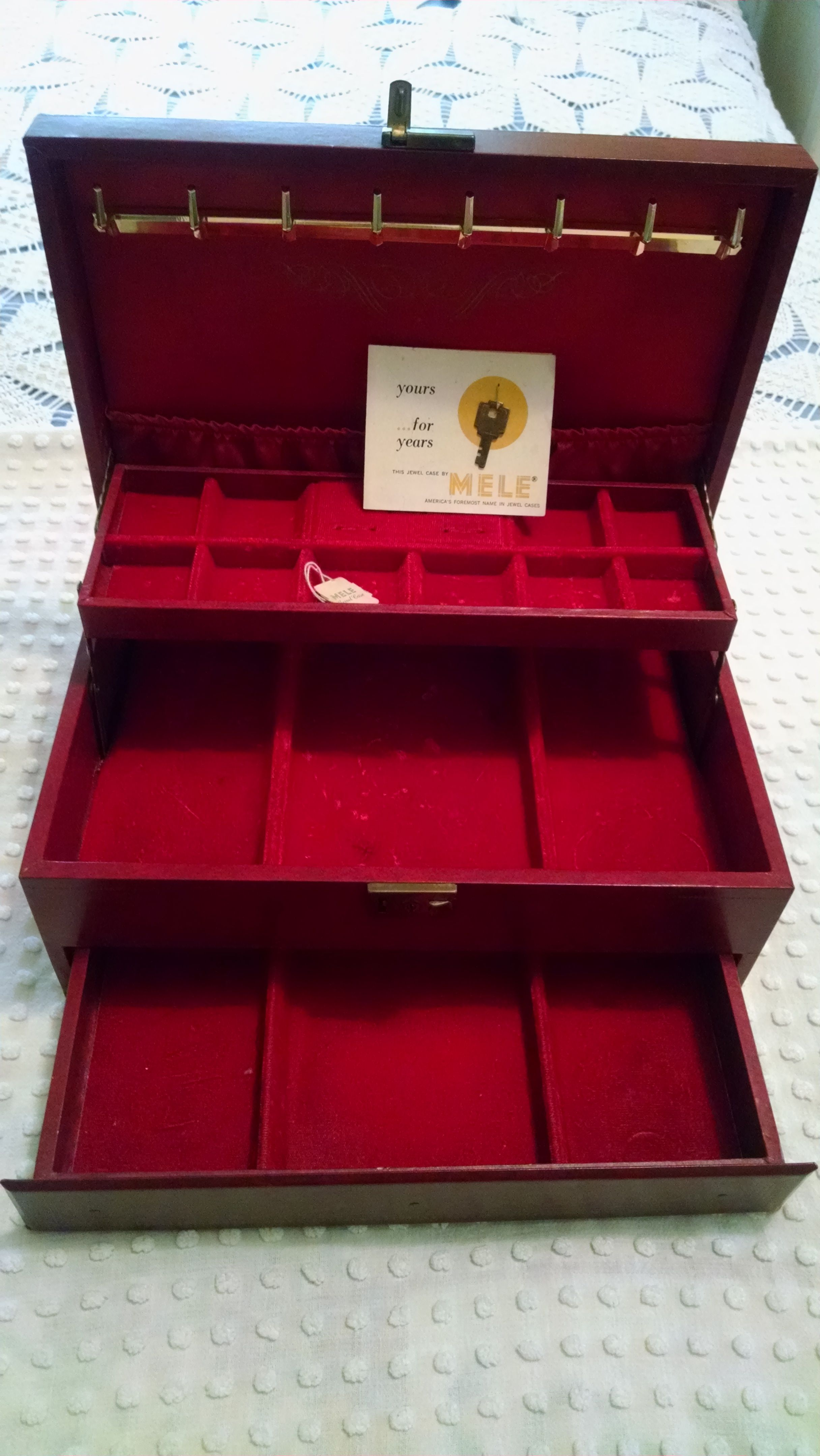 Vintage Red Mele Jewelry Box With Original Tag Key And Guarantee Vintage Jewelry Box Mele Jewelry Box Jewelry Box